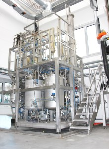 Image 1: The pilot extraction plant at Fraunhofer IWKS for the extraction of hemicellulose from fruit residues. Copyright: Fraunhofer IWKS